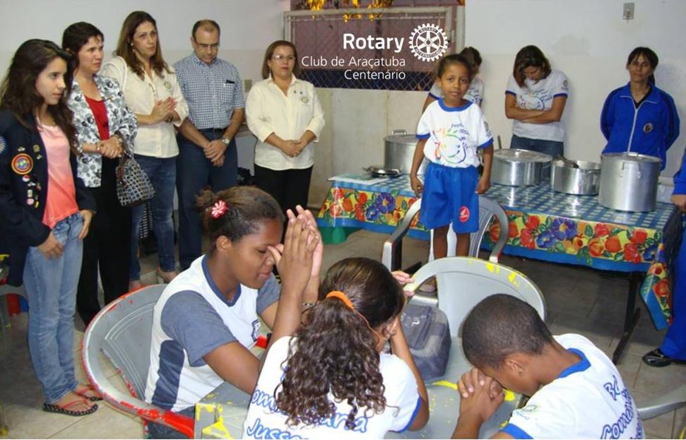 Patrocínio de refeições para as crianças na Base Comunitária do Jussara